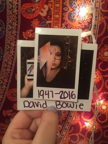 Look out rock–n'–rollers, Bowie is coming through