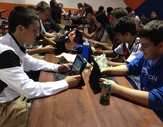 Students+work+on+iPads+during+lunch+periods.
