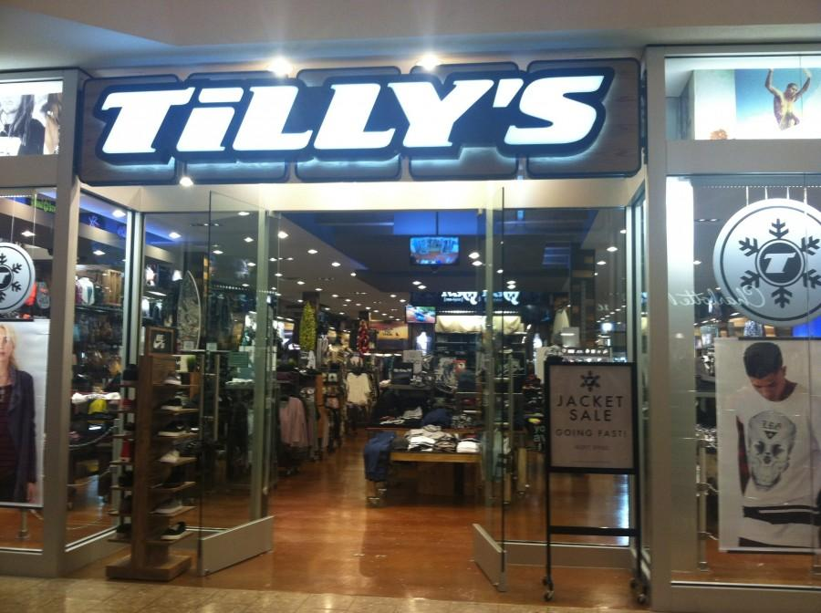 %22Tilly%27s%22++located+at+Woodfield+Mall.