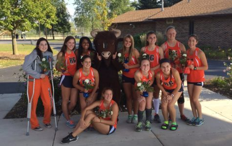 Girls Cross Country programs builds up team morale despite lack of underclassmen