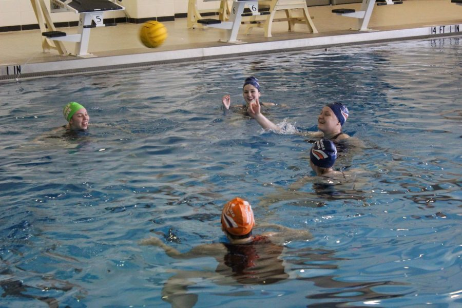 Girls+water+polo+prepares+as+a+team+for+season